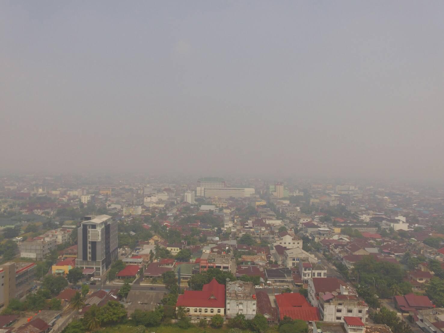 Kabut Asap Selimuti Pekanbaru