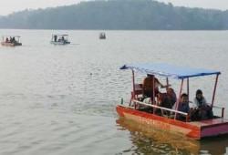 Danau Buatan Gelar Acara Hiburan Malam Tahun Baru
