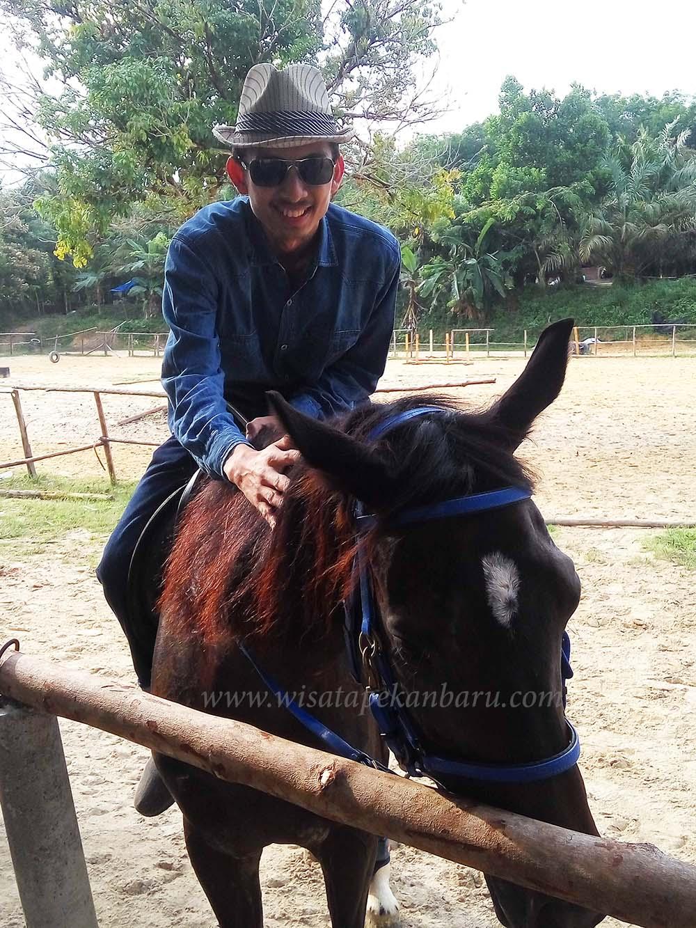 wisata dakwah okura pekanbaru - Wisata Dakwah Okura - Wisata Dakwah Sambil Berkuda di Pekanbaru